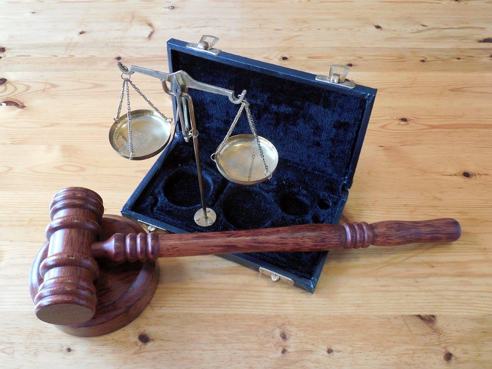 Co zabrać ze sobą na spotkanie z prawnikiem?